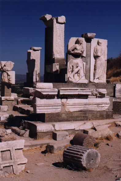 crowds swarm at ephesus